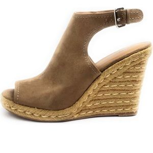 Women's Merona wedged espadrilles taupe size 10